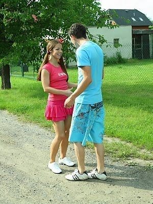 Brunette Kelly Fucks With A Guy Whom She Met In The Park. Brunette pics