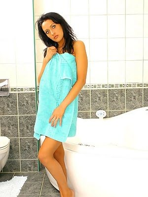 Outstanding Shower Solo Play With A Hot Chick