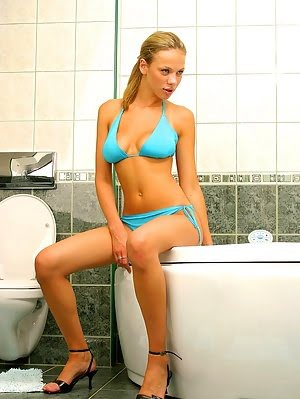Perfect Teen Body Waiting For Fun In The Shower Body pics