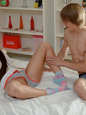 Incredible Long Haired Teen Beautie Giving Her Nice Shaved Pussy To Lick And Fuck On Bed. Lick pics