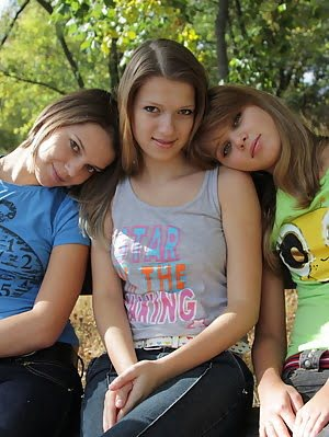 Examine These High Quality Photos Where Three Hot Teen Girls Kiss Each Others Sweet Lips. Sweet pics