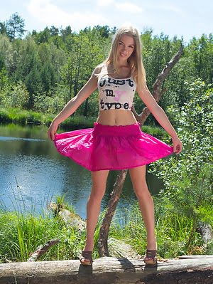 Stunning Teen Gets Naked Out In Nature To Show Off Her Big Juicy Breasts And The Rest Of Her Amazing Big pics