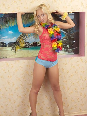 Her Fantastic As Well Huge Breasts Are Enjoyable Just Like Other Parts Of This Teen Girlfriend. Supe