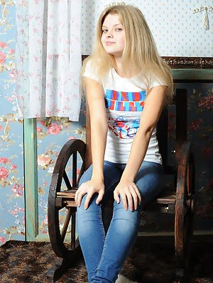 Slender Teen Girlfriend Make The Day Brighter With Her Bewildering Outlook. Slim, Doll Like, Beautif Beautiful pics