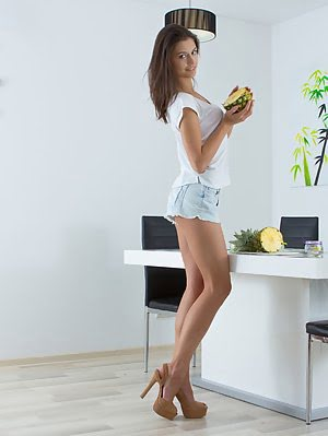 Sexy Teen Puts Her Booty On The Dinner Table, Where She Splits Her Legs To Serve You A Delicious Pie