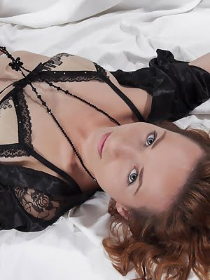 This Sexy Redhead Knows How To Tease You With Her Dirty Fantasy As She Gets Wild And Horny In Front Gets pics
