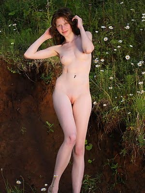 This Teen Has A Dirty Fantasy In Front Of The Camera And She Makes A Tribute To That While Getting W