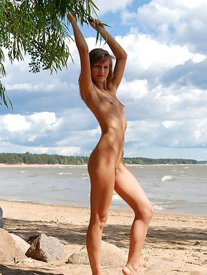 Beautiful Shapely Teen Honey With Sweet Shaved Pussy Posing Absolutely Naked On The Coast. Posing pics
