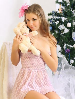 Tender Teen Stunner Shows Off Her Gorgeous Tits And Sweet Pussy Wishing You Happy Holidays. Gorgeous pics