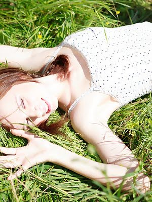 Green Grass Caresses Nude Teens Most Sensitive Parts And Makes Her Feel On Cloud Seven While Posing. Posing pics