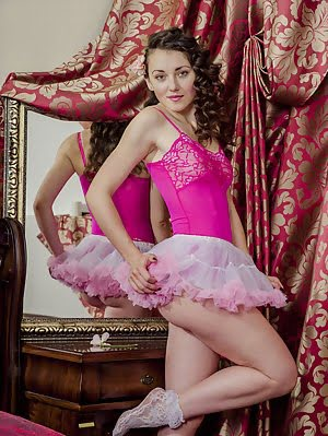 Curly Haired Beautiful Ballerina Makes Art Of Her Shapely Body With All The Lust You Could Possibly Art pics