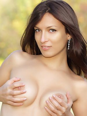 Admirable Dark Haired Sweetie With Perfect Breasts Flaunting Shaved Quim On The Nature. Breasts pics