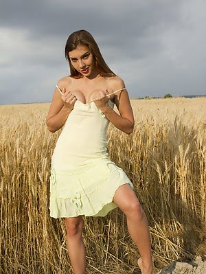 There Is Nothing Better Than Seeing A Hot Babe Take Off Her Clothes In The Nature So You Could Enjoy Clothes pics
