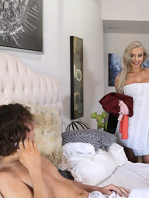 Nina Elle Gets Her Stepson And His Girlfriend Alexa Grace In Bed Together For An Educational Hardcor