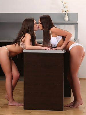 Lesbian Lovers Subil Arch And Frida Lick Each Others Needy Twats Before Delivering Mutual Hard Fast