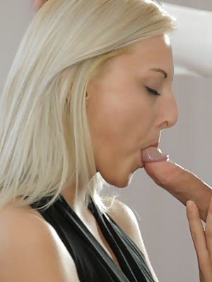 Blonde Babe Katy Rose Gets Naked And Gives Her Man A Big Blowjob And A Stiffie Ride In Her Creamy La Blonde pics