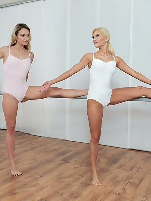Ballerinas Candee Licious And Angel Piaff Are In The Middle Of Making Out When Their Instructor Make Making pics